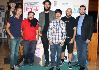 Equipo de Mimosas con su director Oliver Laxe, el director de AWFF y el alcalde de Tabernas