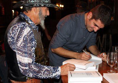 Firma de libros Fran Benavente