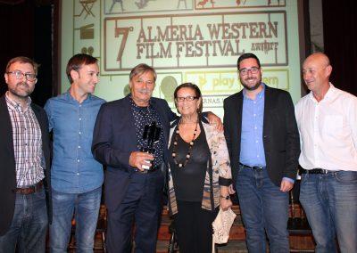 Foto familia con Alberto Dell Acqua
