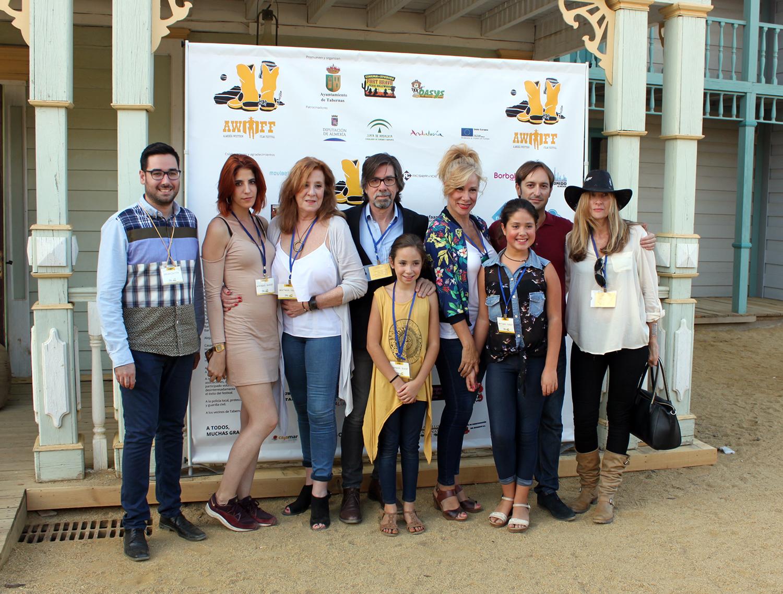 Alcalde de Tabernas, hijos y familiares de Fernando Sancho y director del Festival