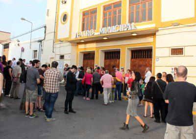 ambiente-previo-entrada-teatro-municipal
