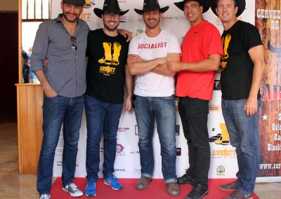 equipo-outlaws-angels-con-el-alcalde-de-tabernas