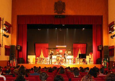 publico-presentacion-nubes-rojas-marino-dares
