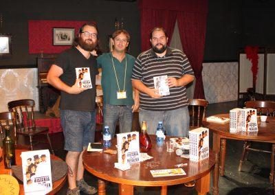presentacion-libro-historia-de-un-revolver_victor-blanco-y-david-touron-editores