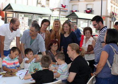 visita-a-las-actividades-infantiles-en-la-plaza-del-pueblo-de-tabernas