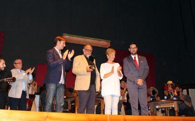 Almería Western Film Festival lamenta el fallecimiento de Reyes Abades, premio Desierto de Tabernas en 2016