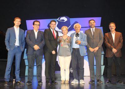 Foto familia premio Sal Borgese