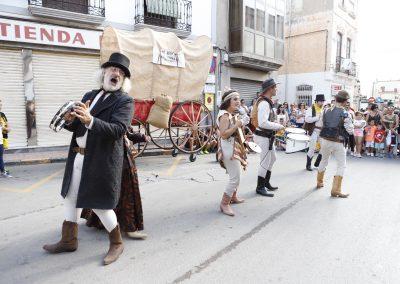 Pasacalle western en Tabernas de Valgalume Teatro